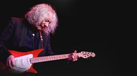 Albert Lee accompanied by his great Electric Band